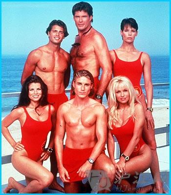 就是传说中有俊男美女在沙滩上跑来跑去的《海滩护卫