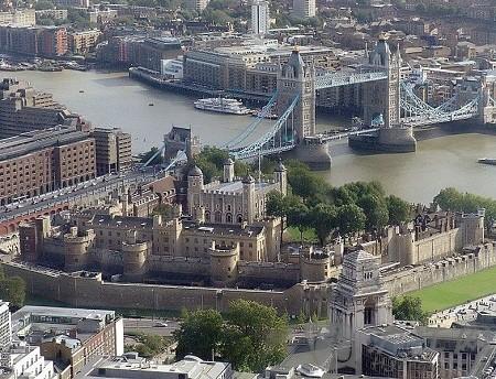 历史回顾:伦敦塔内的斩首事件