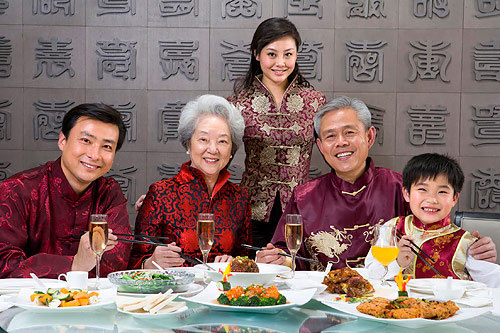 a view at eating customs in china The chinese eat very well, but when it comes to drinking, they are  (or any  alcoholic beverage), the drinking etiquette is essentially the same.