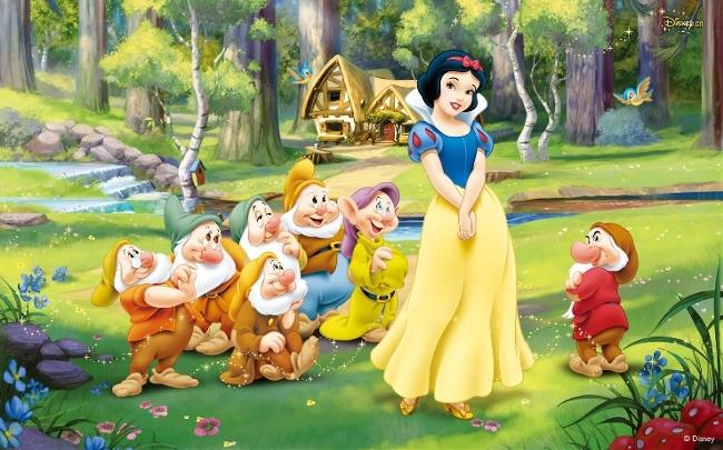 《白雪公主与七个小矮人(백설공주와 일곱난쟁이)》是最最著名的格林童话故事了,蛇蝎心肠的王妃,多灾多难的白雪公主,英俊潇洒的王子还有树林里善良的七个小矮人。一起看看韩语版吧!